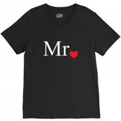 Mr with heart dot (Mr and Mrs set) V-Neck Tee   Artistshot