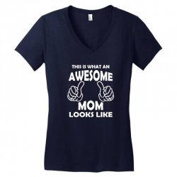 Awesome Mom Looks Like Women's V-Neck T-Shirt | Artistshot