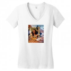 mona pulp Women's V-Neck T-Shirt | Artistshot