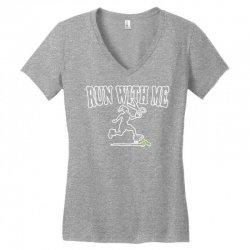run with me Women's V-Neck T-Shirt | Artistshot