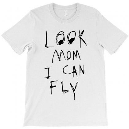 Look Mom I Can Fly T-shirt Designed By Rakuzan