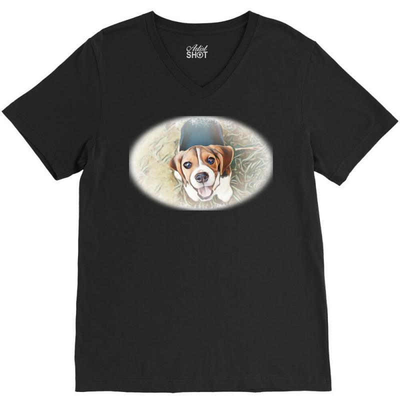 Beagle Puppy Sitting On Green V-neck Tee | Artistshot