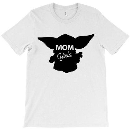 Mom Yoda T-shirt Designed By Artees Artwork