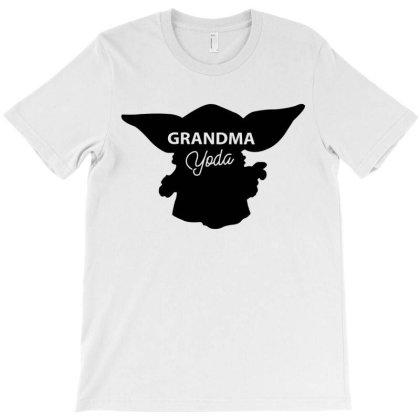 Grandma Yoda T-shirt Designed By Artees Artwork
