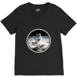 astronaut apollo V-Neck Tee | Artistshot