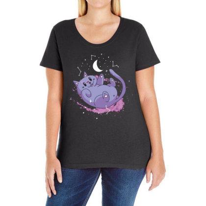 Cute Space Cat Ladies Curvy T-shirt Designed By Dirjaart