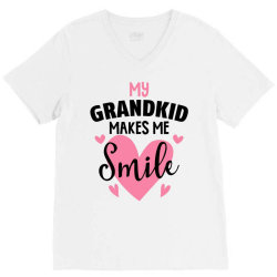 my grandkıd makes me smile for light V-Neck Tee   Artistshot
