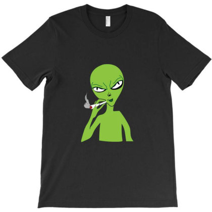 Funny Green Alien Smoking T-shirt Designed By Sr88