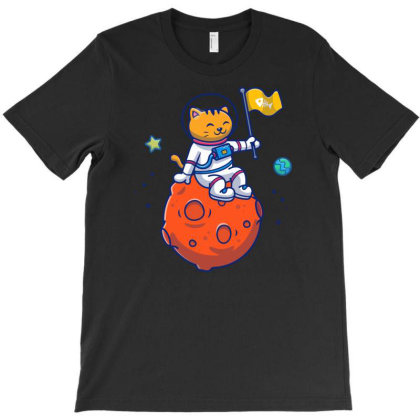 Astronaut Cat Sitting On Planet T-shirt Designed By Lenart