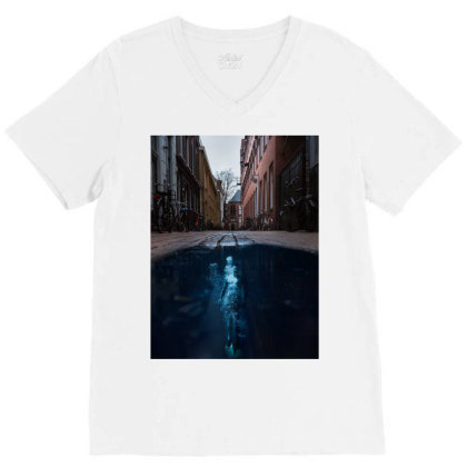 Under Water City V-neck Tee Designed By Keremcgrc