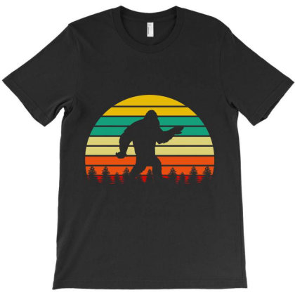 Big Foot Retro Sunset T-shirt Designed By Tiococacola