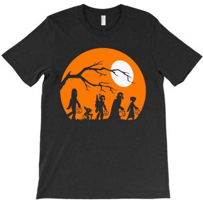 The Hallowen Mandalorian T-shirt Designed By Mazikos