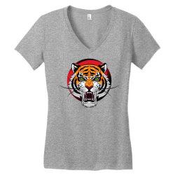 Tiger Women's V-Neck T-Shirt | Artistshot