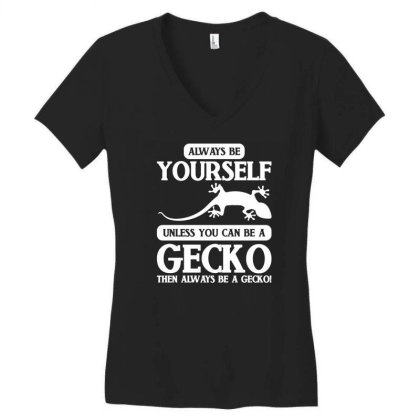 Reptile Gecko Women's V-neck T-shirt Designed By G3ry