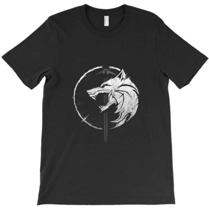 Wh1t3 W0lf T-shirt Designed By Cuser3978