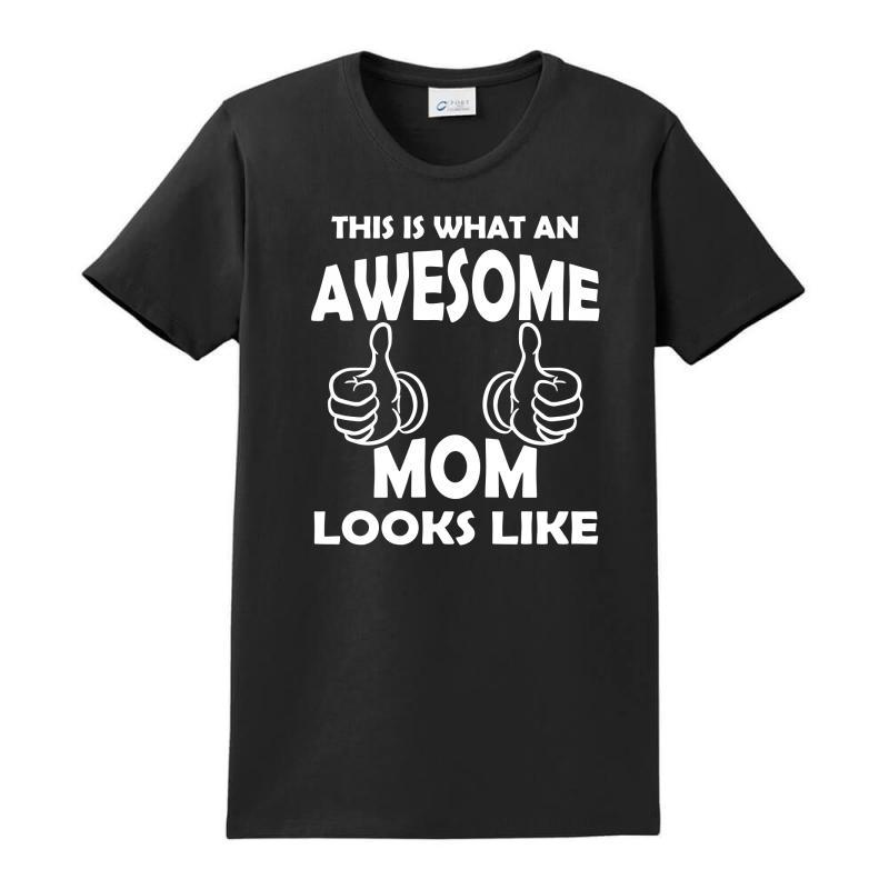 Awesome Mom Looks Like Ladies Classic T-shirt   Artistshot