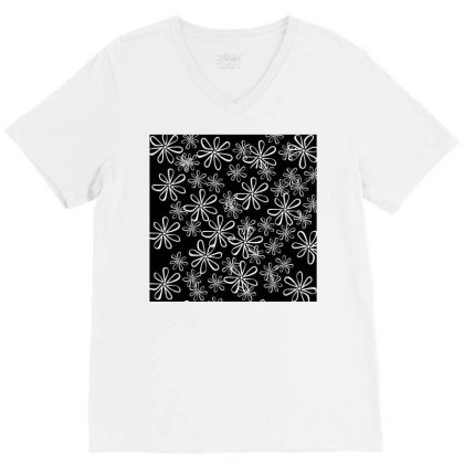 Chalk Floral Seamless Pattern V-neck Tee Designed By American Choice