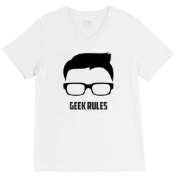 Geek rules V-Neck Tee | Artistshot