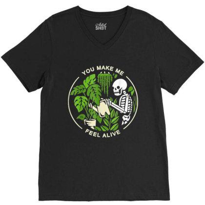 You Make Me Feel Alive - Halloween Skull V-neck Tee Designed By Mrt90