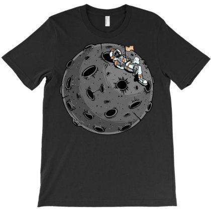 Chill Astronaut T-shirt Designed By Quilimo