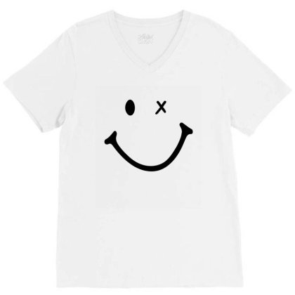 Smiling Face V-neck Tee Designed By Apollo