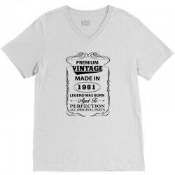 vintage legend was born 1981 V-Neck Tee | Artistshot
