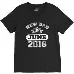 Dad To Be June 2016 V-Neck Tee   Artistshot