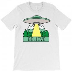 cool ufo sci fi t shirt T-Shirt | Artistshot