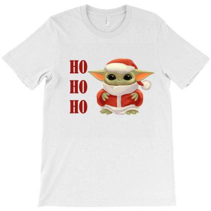 Christmas Baby Yoda Mondalorian T-shirt Designed By Li Ova