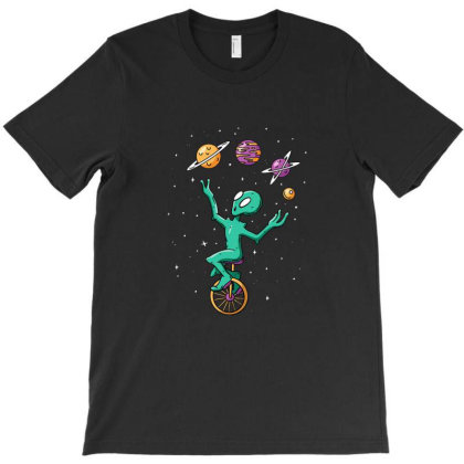 Planet Juggling Alien T-shirt Designed By Rebecca