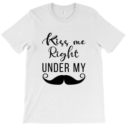 Kiss Me T-shirt Designed By Chiks