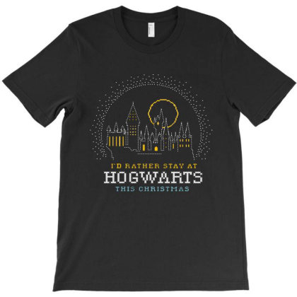 Hogwarts At Christmas T-shirt Designed By Batikmadrim Art