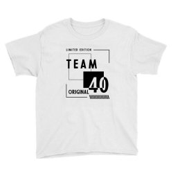 40 Year Old - 40th Birthday Funny Gift Youth Tee | Artistshot