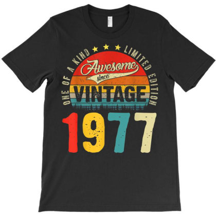 44 Years Old Distressed 1977 T-shirt Designed By Koopshawneen