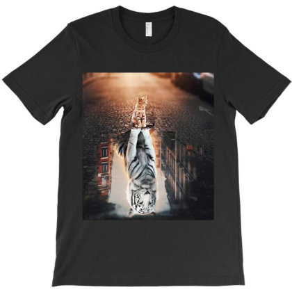 Cat Vs Tiger - Cat And Tiger Mirror Message T-shirt Designed By Dara Boutique