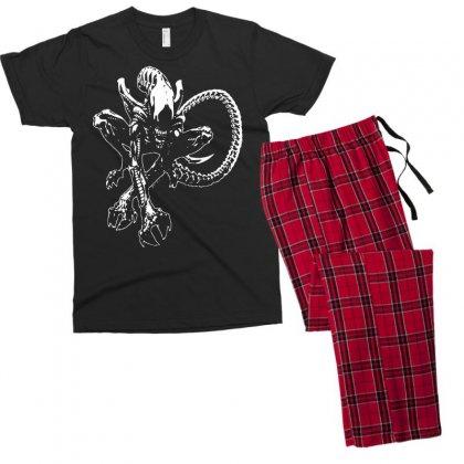 Alien Movie Xenomorph Men's T-shirt Pajama Set Designed By Mdk Art