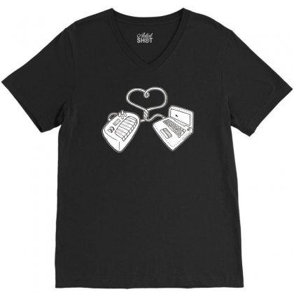 Usb Love V-neck Tee Designed By Ditreamx